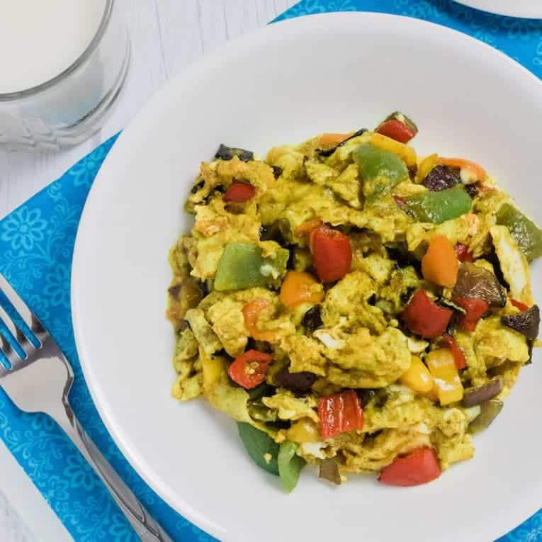 this amazing veggie egg scramble is low carb and paleo