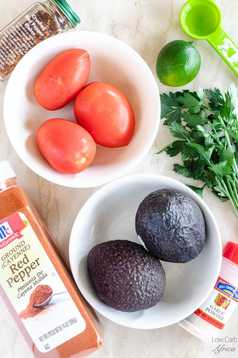 ingredients used in making spicy avocado salsa
