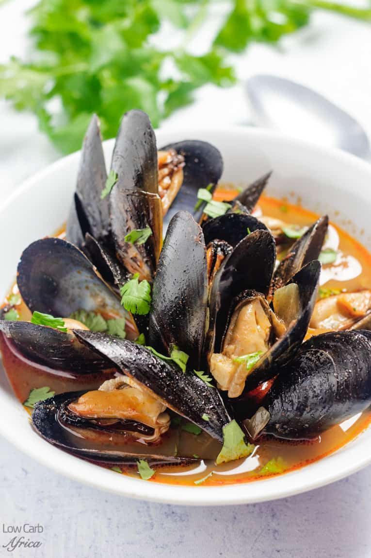 bowl of keto and low carb mussel soup