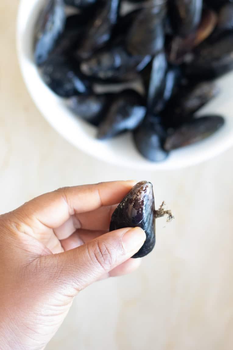 how to de-beard a mussel