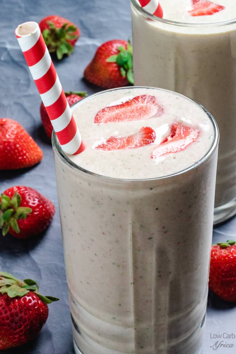 low carb spinach strawberry smoothie