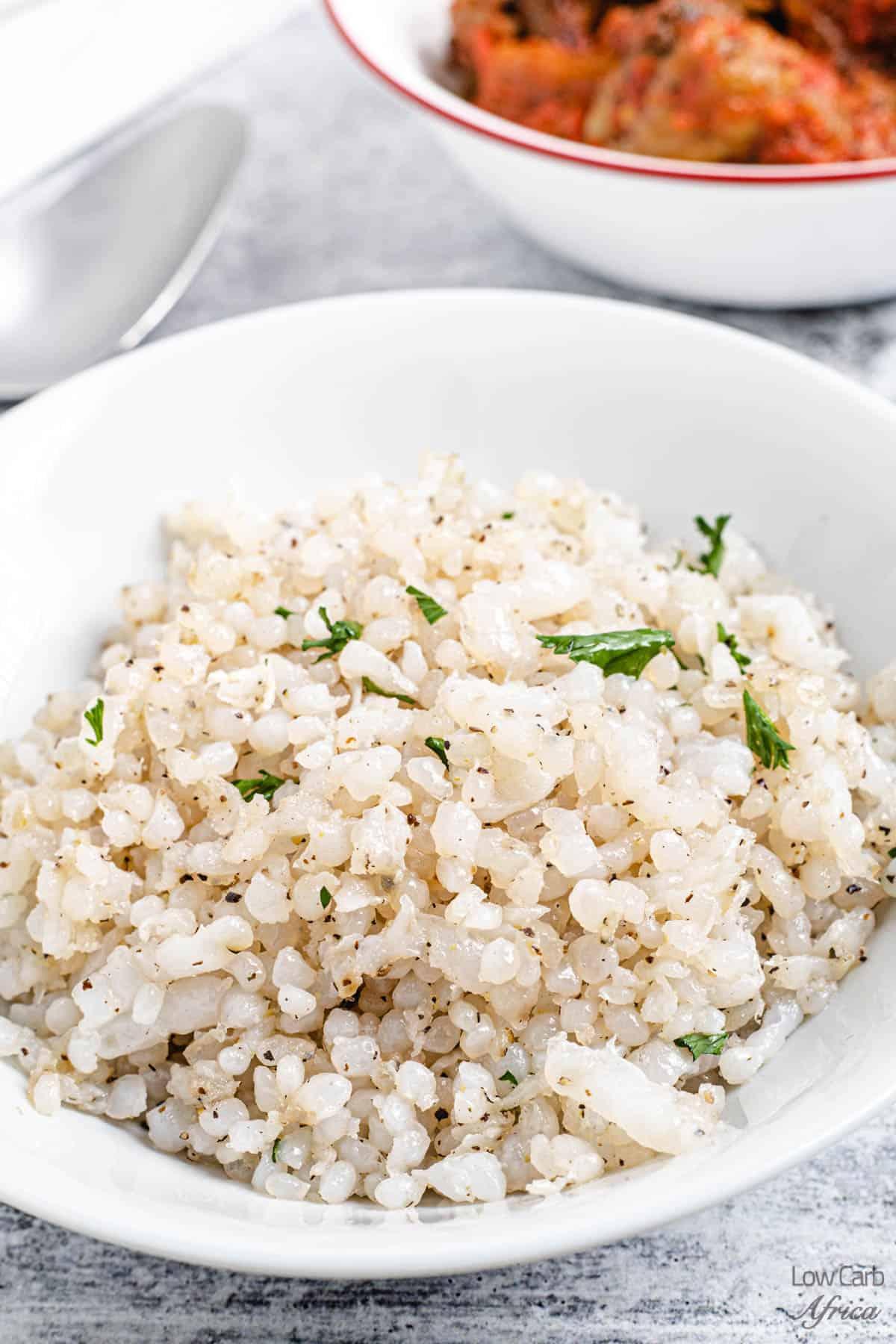 shirataki rice on white bowl